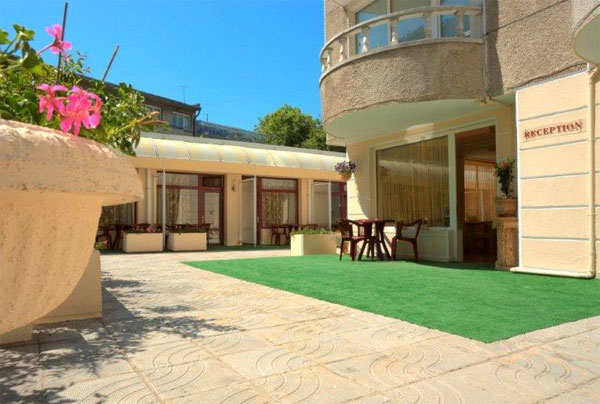 Affordable 2 stars familly hotel in Varna